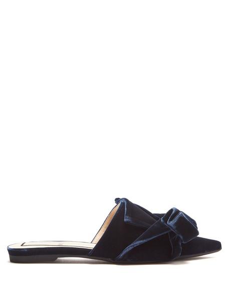 No. 21 bow shoes velvet navy