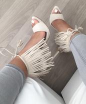 shoes,cream,white,grey,heels,open toes,pocahontas heels,high heels,nails,nail polish,panta,grey pantasa,gray pants,Pocahontas,t-strap heels,fringe shoes