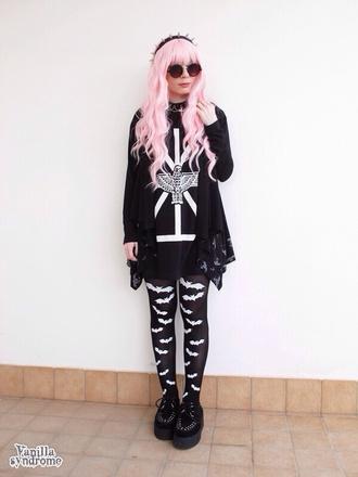 shirt black cute blouse kawaii creepy cute creepy eagle bats tights pastel goth pastel grunge gore creepy kawaii coat jewels gothic lolita boy london