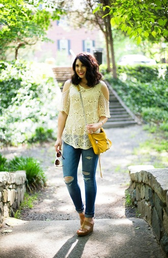 life & messy hair blogger top jeans shoes jewels bag
