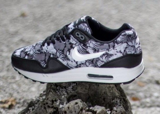 shoes monochrome floral flowers fashion monochrome nike air max 1 air max white palm tree print
