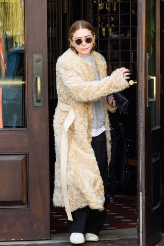 olsen sisters blogger sunglasses jacket sweater pants celebrity olsen winter outfits black pants fur coat