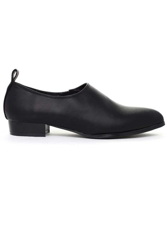 Simple Chic Pointed Loafers in Black - Retro, Indie and Unique Fashion
