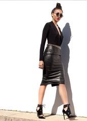 skirt,black skirt,vegan leather,midi skirt,slit skirt,black outfit,all black everything,high waisted skirt,fashion,style,blogger,cute outfits,black,leather skirt