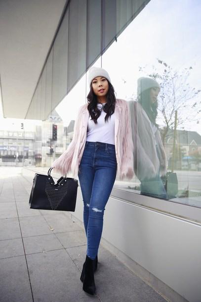 c3fb87dd261 hautepinkpretty blogger jacket hat t-shirt jewels jeans bag shoes beanie faux  fur jacket ankle