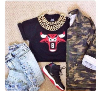 shirt camouflage chunky 90s necklace ripped jeans jordan shoes