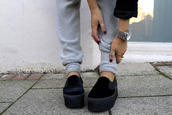 pants,shoes,sweats,grey,cute,hello,i see you,like,or nah?,black,ring,sneakers,platform shoes,slip on shoes,trendy,summer