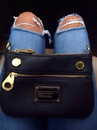bag marc by marc jacobs black gold designer jeans rip jeans marcbymarcjacobs marcjacobs mbmj clutch ripped pants ripped jeans cute black bag marc jacobs wallet marcj jacobs marc percy classic crossbody bag leather