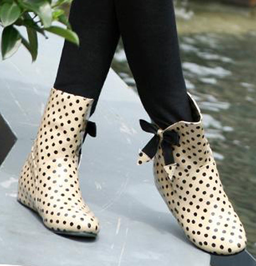 Model Brand New Women39s Black Polka Dot Rubber Rain Boots R1416  EBay