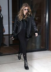 jacket,all black everything,streetstyle,model off-duty,gigi hadid,fall outfits