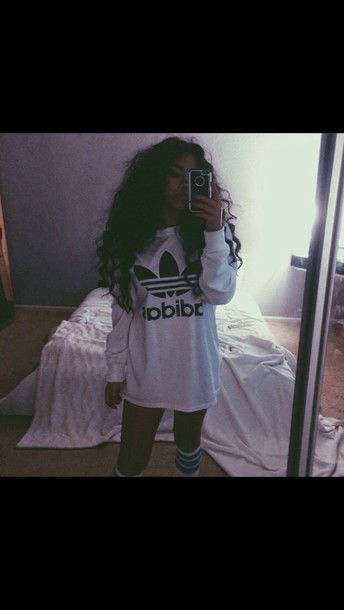 sweater shirt top adidas dress t-shirt dress style adidas shirt t-shirt white t-shirt long sleeves adidas socks adidas log sleeve adidas sweater adidas sweater adidas originals oversized sweater white sweater grey