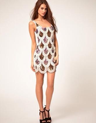 dress scalloped