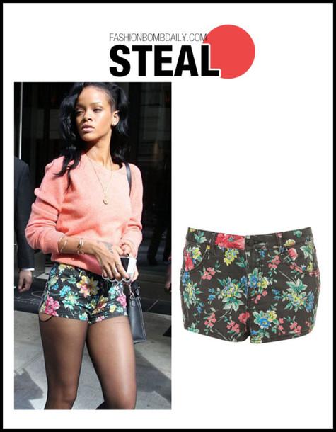 blouse flowered shorts