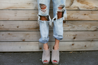shoes ripped jeans summer denim boyfriend jeans baggy jeans nude wedges mules