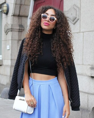 from hats to heels blogger sunglasses natural hair light blue blue skirt crop tops black jacket