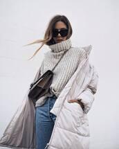 sweater,nude sweater,turtleneck,turtleneck sweater,denim,jeans,blue jeans,bag,quilted,white coat,coat,sunglasses,cat eye,down jacket,winter coat,grey,oversized turtleneck sweater,puffer jacket,grey oversized sweater,tumblr,grey sweater,oversized sweater,oversized,black sunglasses