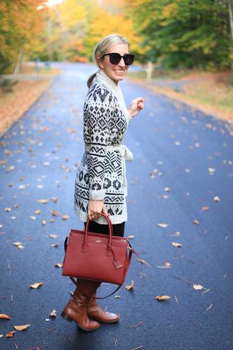lemon stripes blogger cardigan leggings bag shoes printed cardigan pattern red bag sunglasses black sunglasses boots brown boots