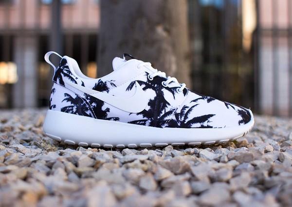 shoes nike roshe run plam trees white shoes nike shoes nike roshe runs palm tree print nike running shoes black white beach nikes