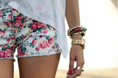 shorts,flowers,white,pink,cute,red,green,vintage,floral,blouse,jewels,pants,flower short