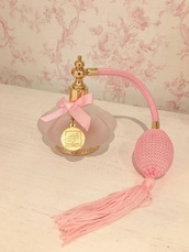 make-up,perfume,fancy,pink,vintage inspired,gold,antique,antique style,fifi