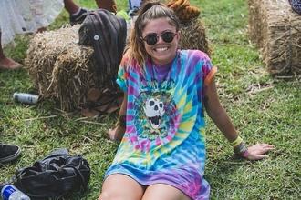 t-shirt tie dye festival colorful rainbow vintage