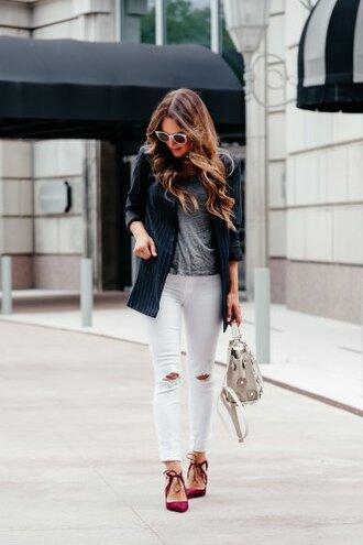 t-shirt v-neck t-shirt white skinny jeans skinny jeans distressed debim blazer embellished bag pumps blogger blogger style handbag