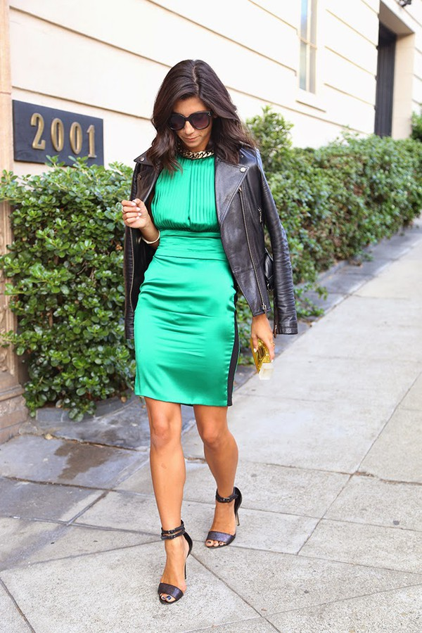 this time tomorrow blogger jacket bag green dress