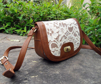 bag purse crossbody bag shoulder bag lace cute pretty sweet lace bag delicate detailed bag white lace white lace bag hipster hippie skater bohemian kawaii leather leather purse pu leather floral lace floral flowers gold accent shoulder purse faux leather vegan leather