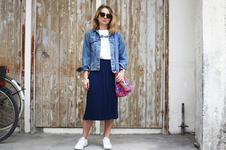 jane's sneak peak blogger jacket t-shirt skirt shoes bag jewels sunglasses