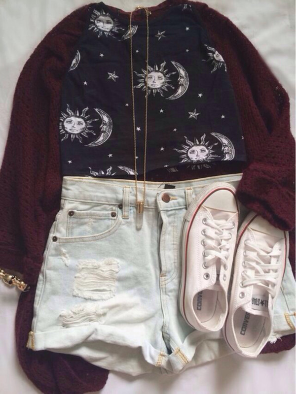 shirt sun moon red sweater necklace converse shoes shorts top t-shirt cardigan bullet necklace white converse burgundy three-quarter sleeves knitted cardigan oversized cardigan moon and sun crop tops High waisted shorts gold black and white blouse bag hippie hipster shorts hipster