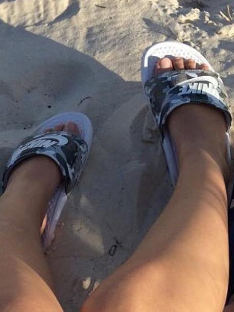 ab05cb55bbd424 ... Flip Flops Slides - Camouflage  nike benassi camouflage slide sandals   shoes