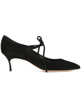 pumps black shoes