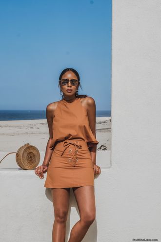 stuffshelikes blogger top skirt sunglasses shoes bag round bag mini skirt summer outfits