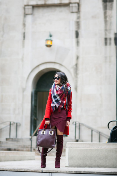 wendy's lookbook blogger scarf sunglasses red coat