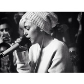 hat,miley cyrus,beanie,white,grey,speckled,oversized