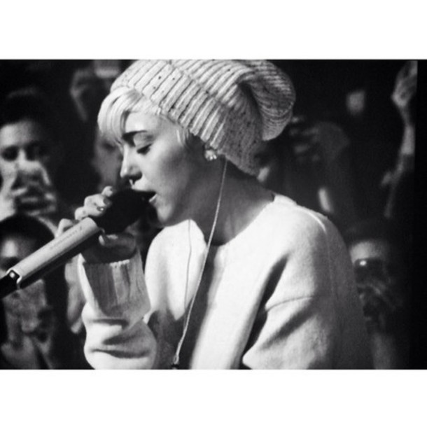 hat miley cyrus beanie white grey speckled oversized