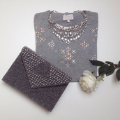 bag,grey,top,shirt,statement necklace,rhinestones,clutch,handbag,jewels,classy,jewelry,necklace,choker necklace,silver,silver necklace,bling