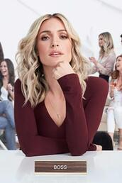 top,necklace,kristin cavallari,accessories,long sleeves,blouse,celebrity