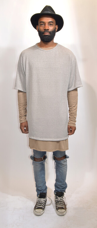 hipster t-shirt oversized style streetstyle bullsofsummer boxy top grey trendy streetwear street fashion urban clothing layering neutral colors bmx distressed jeans
