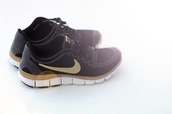 shoes,nike black noir doré running run sport basket
