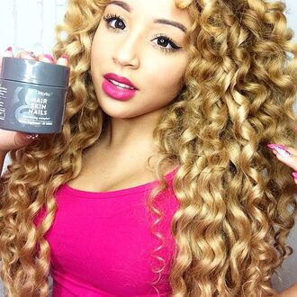make-up jadah doll makeup curly hair hairstyles celebrity pink top tank top pink lipstick