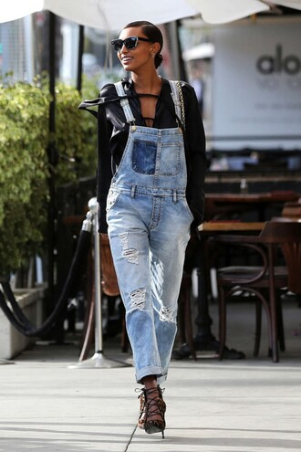 jeans jasmine tookes top overalls denim overalls spring outfits sandals model off-duty sunglasses