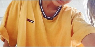 t-shirt tommy hilfiger yellow