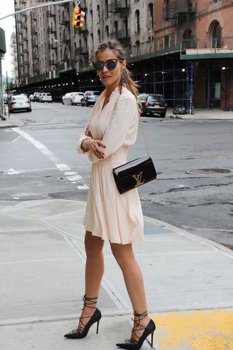 lady addict blogger dress shoes bag sunglasses jewels
