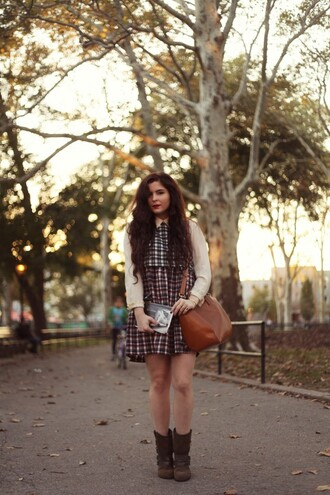 noelles favorite things blogger bag checkered fall outfits blouse