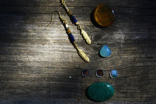 jewels earrings feathers