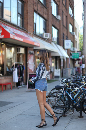 lady addict blogger shirt shorts shoes sunglasses bag
