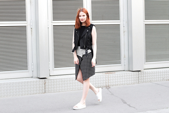 phosphenes blogger jacket skirt shirt optical black and white grid checkered red hair