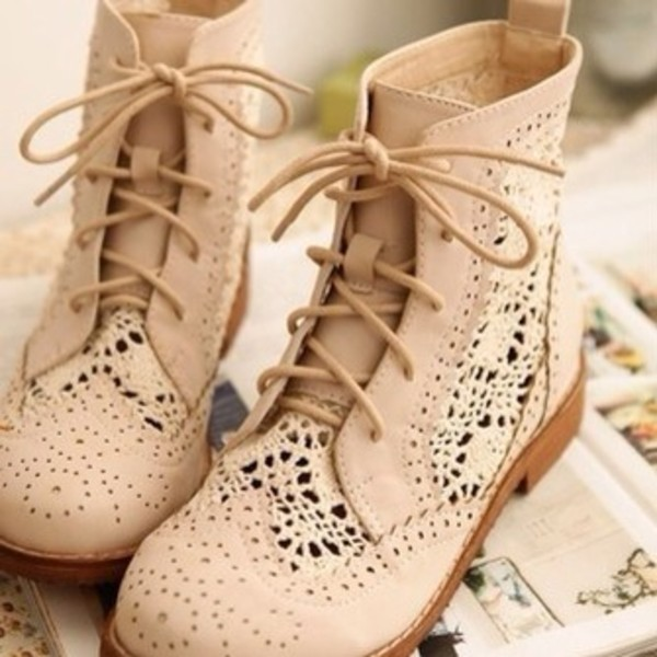 shoes same as the pic please nude lace combat boots baige boots
