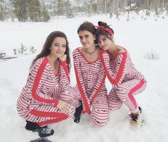 pajamas christmas holiday season taylor hill mackinley hill model off-duty instagram